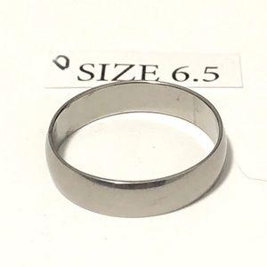 Men's / Women's Silver Tone Ring, Size 6.5